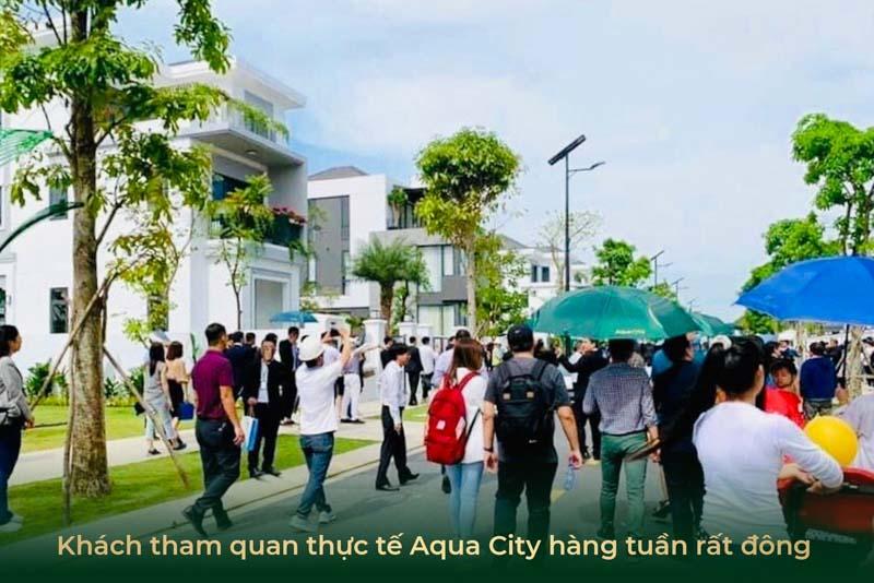 khach tham quan aqua city rat dong hang tuan
